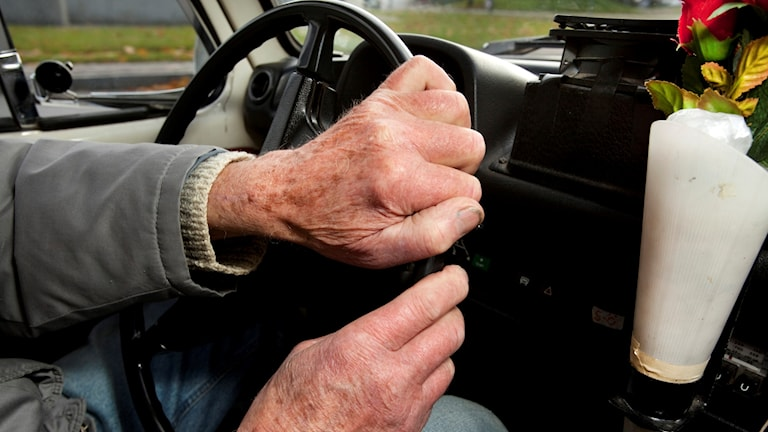 Thousands of elderly drivers with dementia on the roads in Sweden.