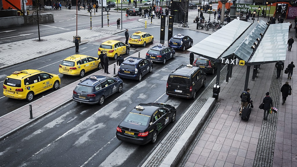 Taxi cars by the central station.