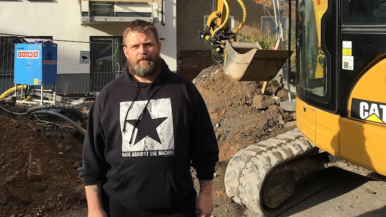 Fredrik Gustafsson is one of thousands in the construction industry working with vibrating tools who go on to suffer the debilitating condition, Hand-arm vibrating syndrome.