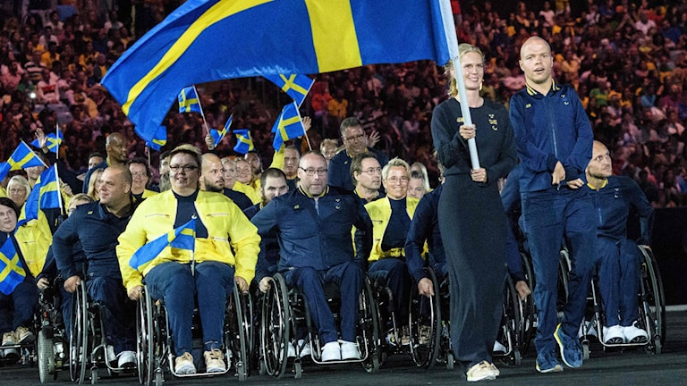 Members of Sweden's delegation enter during the opening ceremony of the Rio 2016 Paralympic Games. Photo: Yasuyoshi Chiba / AFP / TT.
