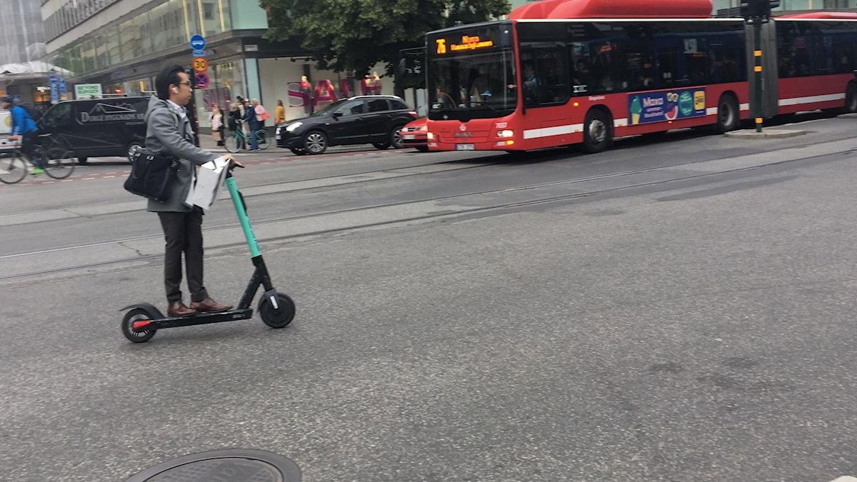 Man rides electric scooter into oncoming traffic