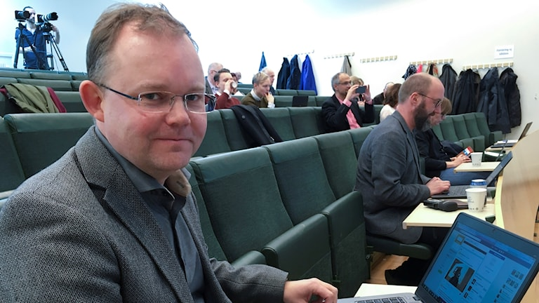 Henrik Ekengren Oscarsson, is a professor of political science and election studies at Gothenburg University.