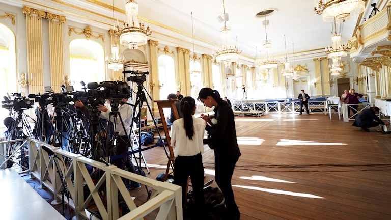 Media gathers for the announcement of 2015's Nobel Prize in Literature.