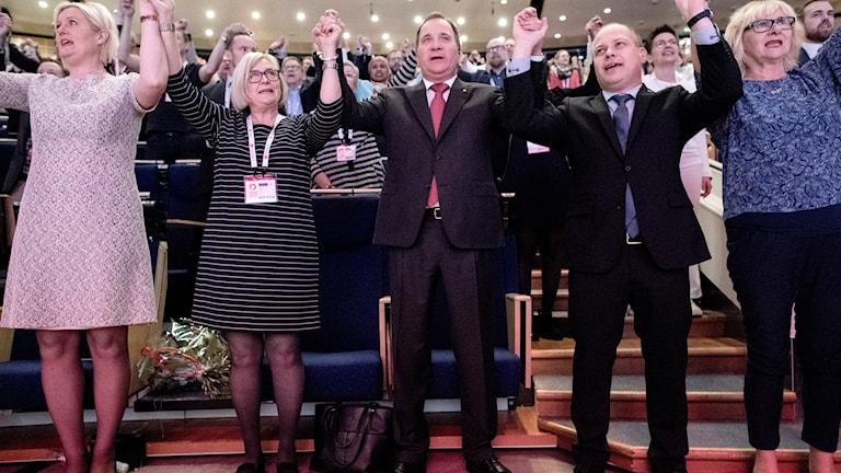 Social democrats holding hands