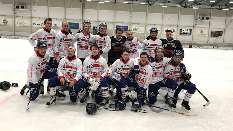 Great Britain's bandy team after winning their ever match at a major tournament since 1913.