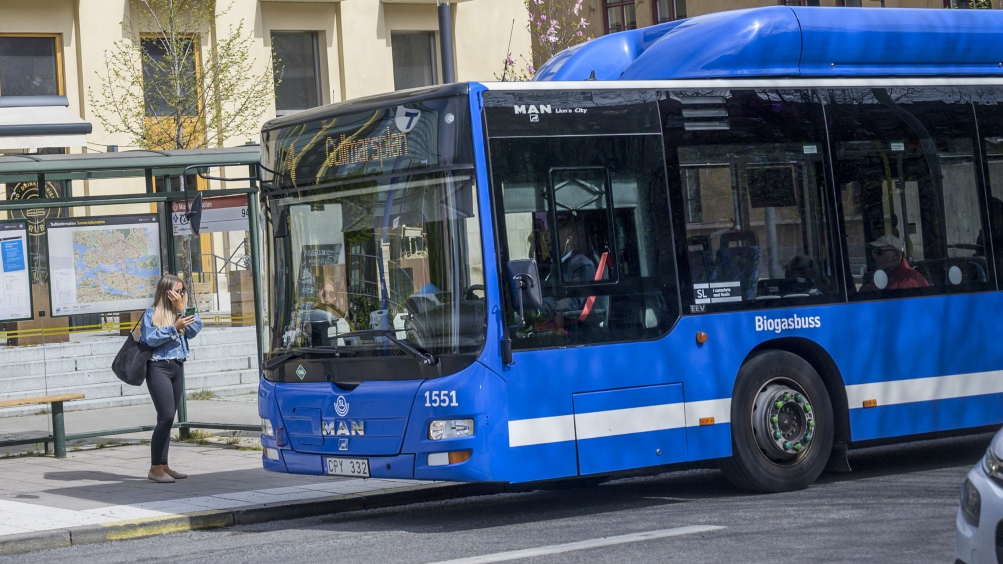 Stockholm public transport operator appeals to public to help avoid crowding - Radio Sweden
