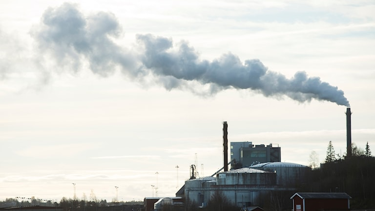 Sweden's greenhouse gas emissions continue to go down but at a slower rate.