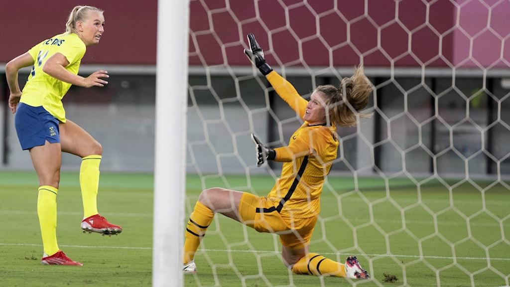 Stina Blackstenius scores a goal.
