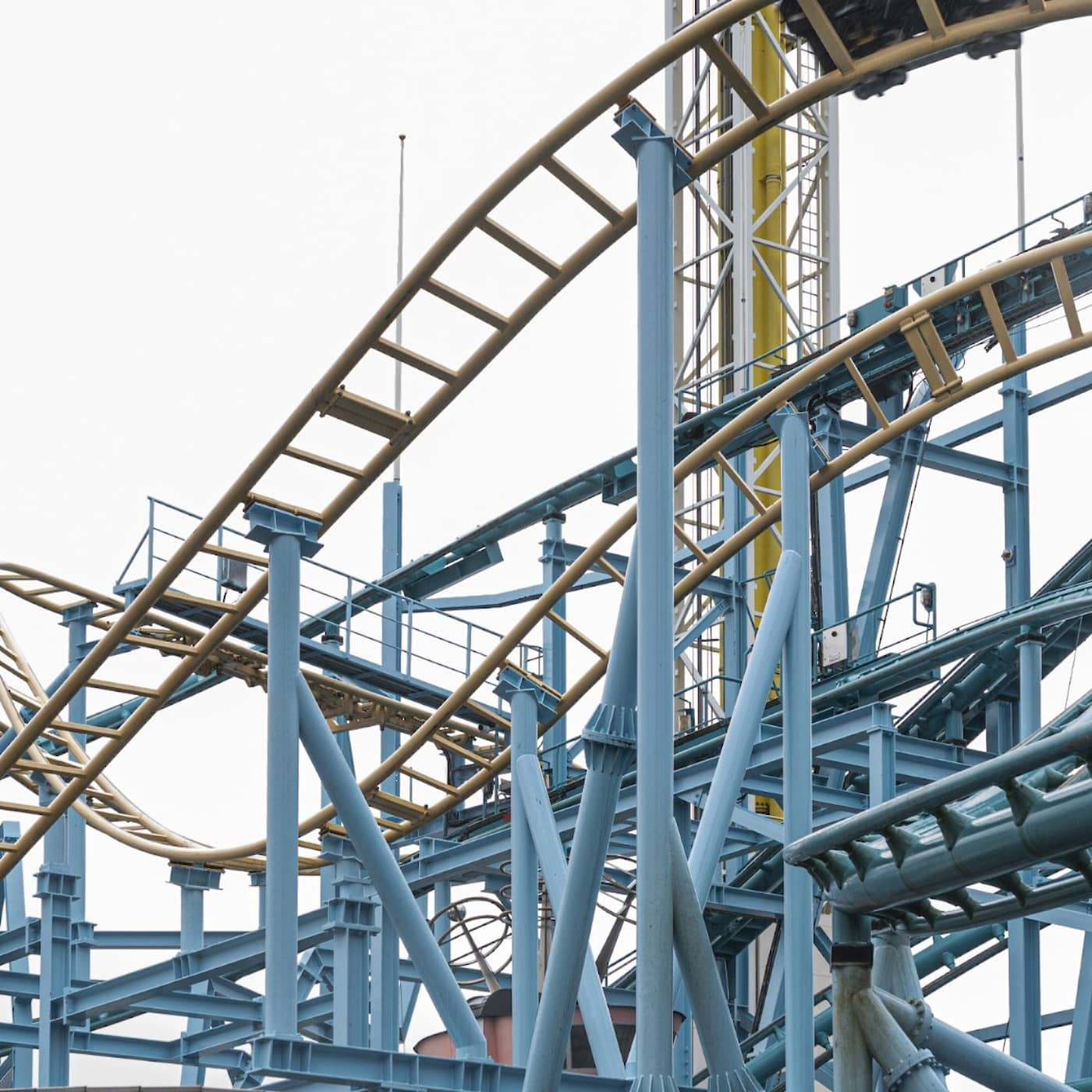 Radio Sweden Weekly: How Gröna Lund is recovering, Covid update and students forced to leave Gotland