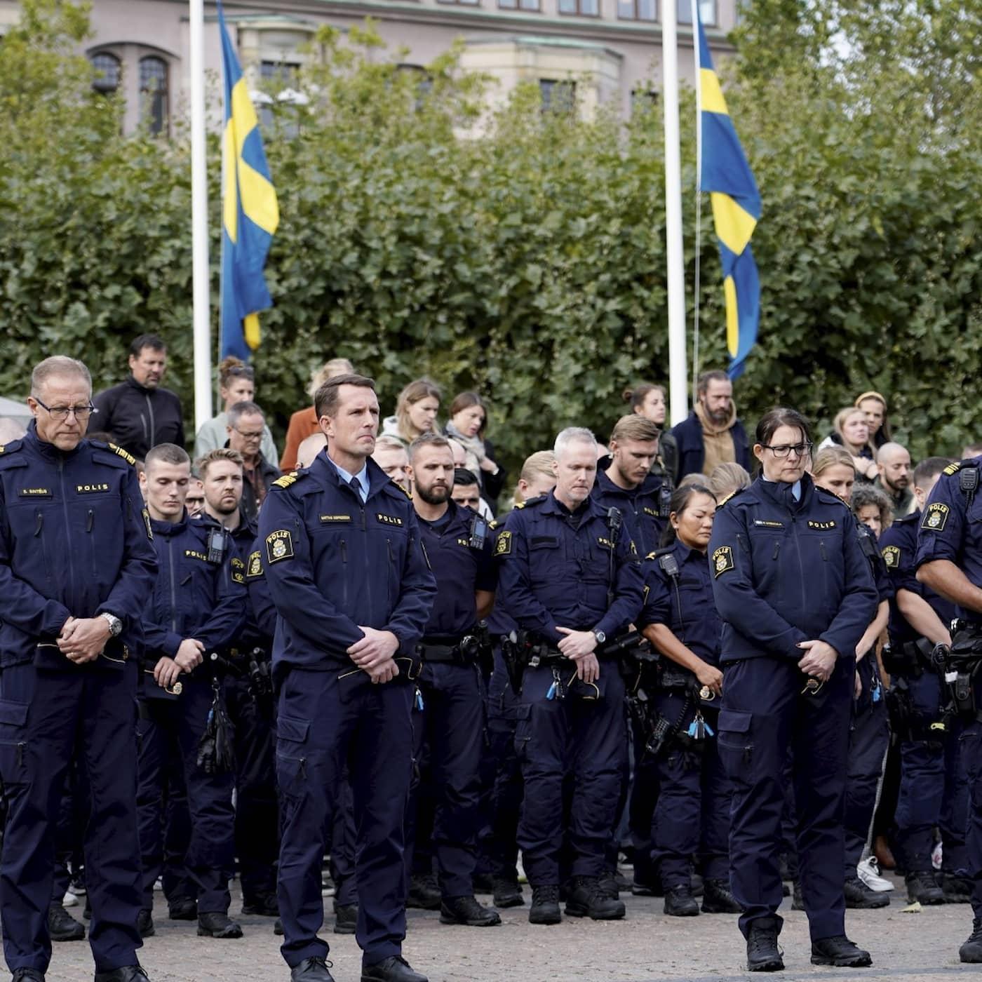 Artist Lars Vilks dies, Nobel Prize for Medicine announced, Volvo Cars on stock market, Gothenburg blast suspect wanted internationally