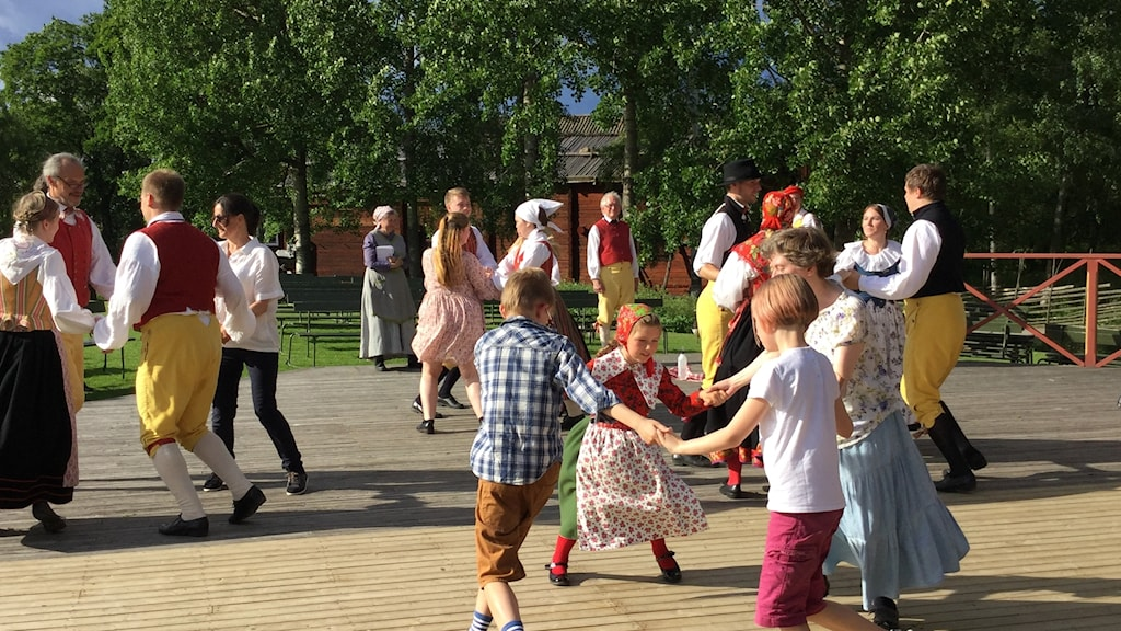 Volunteers from Skansen's folkdance team rehearsing for Friday's performance.