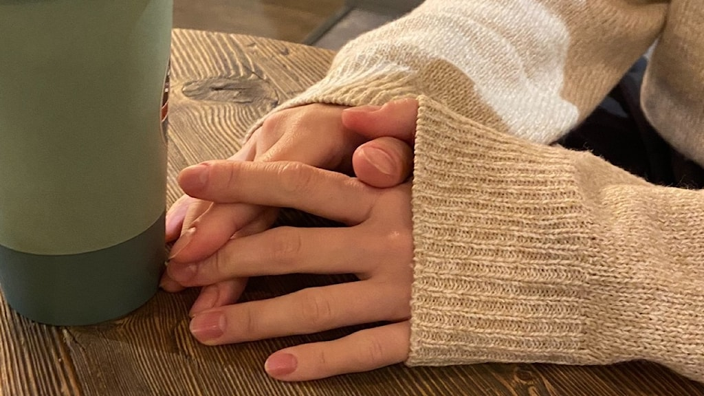 Picture of a woman´s hands