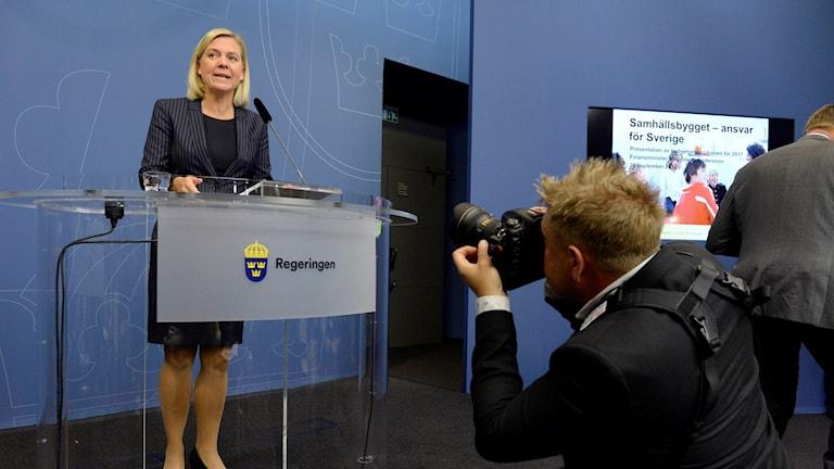 Finansminister Magdalena Andersson presenterar budgeten. Foto: Janerik Henriksson/TT