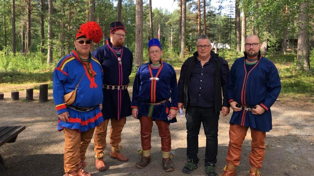 Krister Stoor, Johan Sandberg McGuinne, Per Wollberg, Mikael Jakobsson och Paulus Kuoljok deltar på ceremonin.