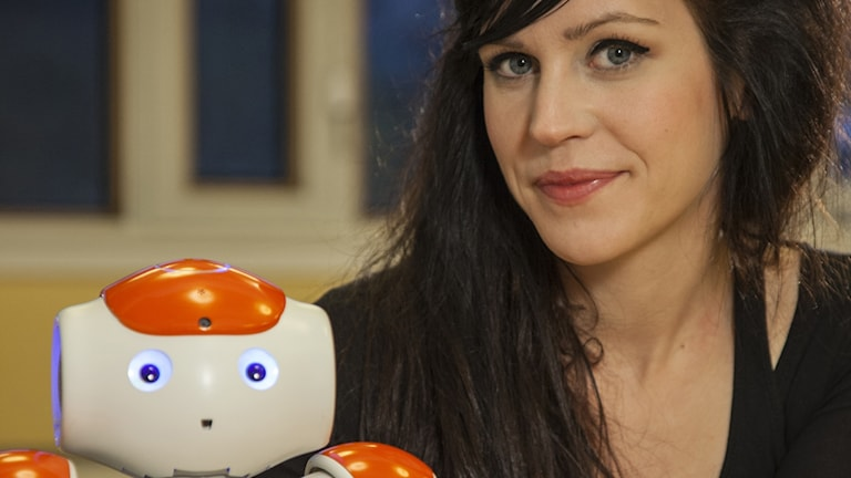 Sofia Serholt with her humanoid robot.