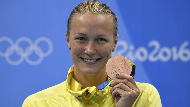 Sarah Sjöström with her bronze medal.