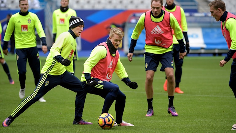 Sweden's footballers training at the Stade de France.