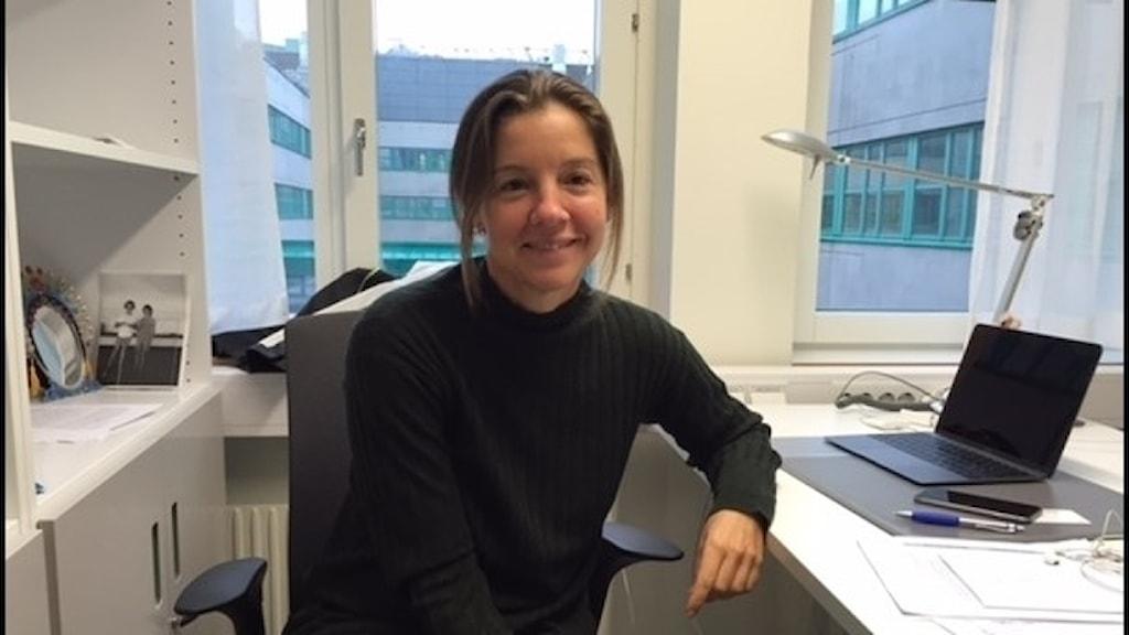 Molecular biologist Kirsty Spalding at her work in Stockholm.