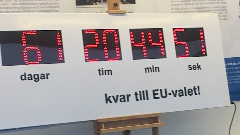 Digital clock counting days, minutes, hours, seconds to the EU-election.