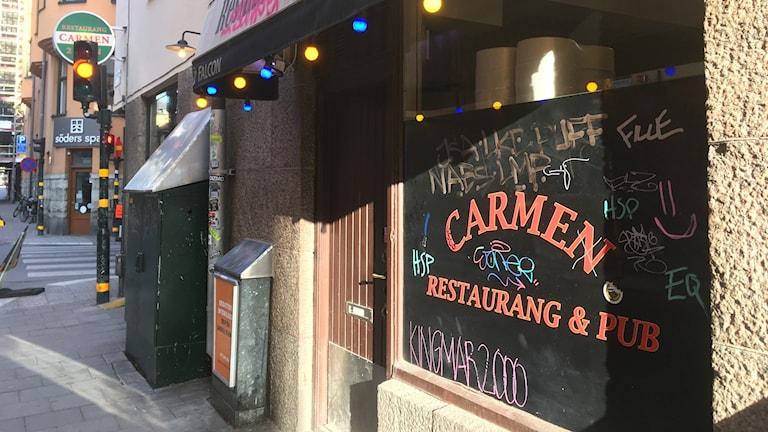 The exterior of the restaurant Carmen