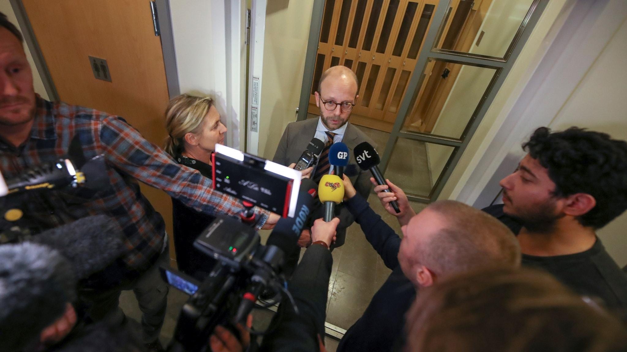 Löfven loses PM vote, asylum seeker addiction care cut, terror suspect detained