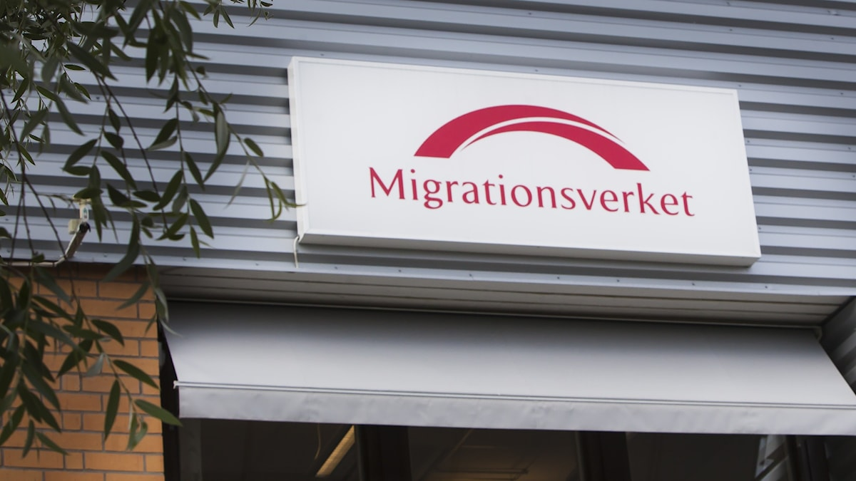Sign with logo of the Swedish Migration Agency, Migrationsverket.