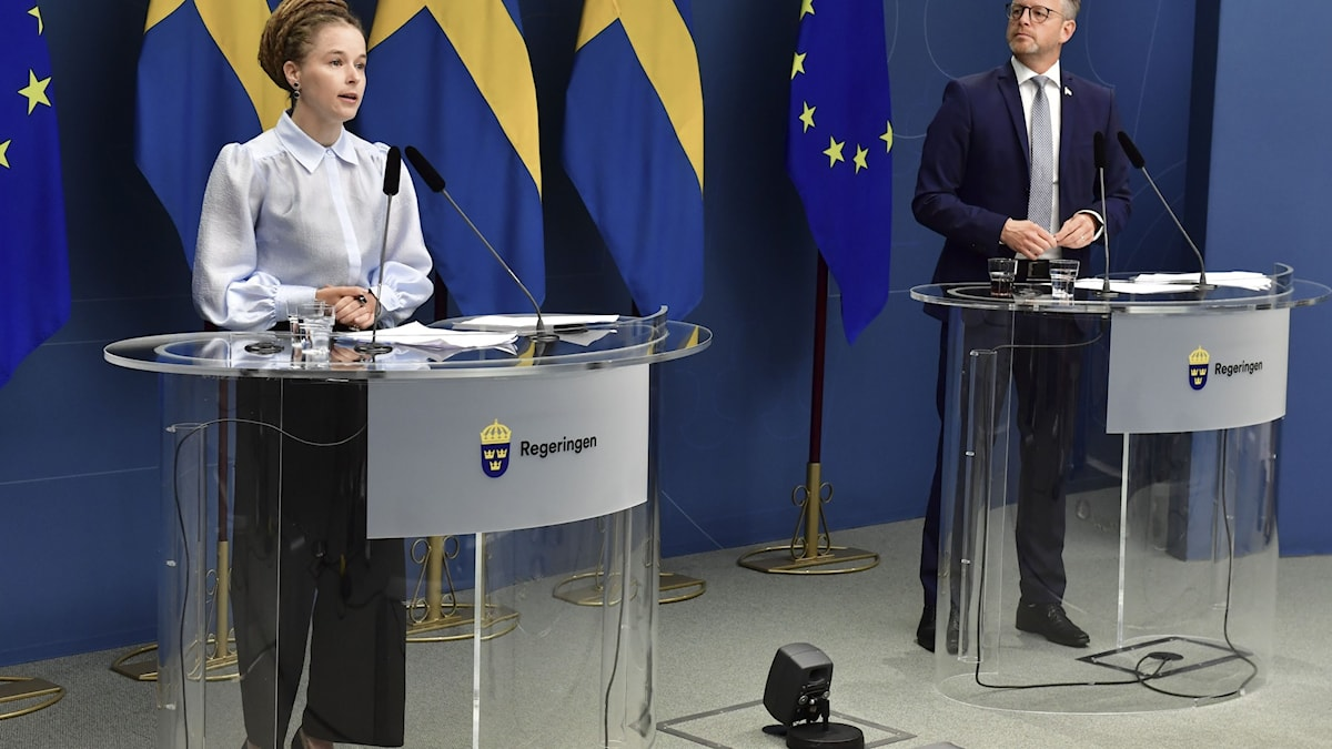 The government is discussing a support package of 2.5 billion SEK for the cultural and sports sector this autumn.