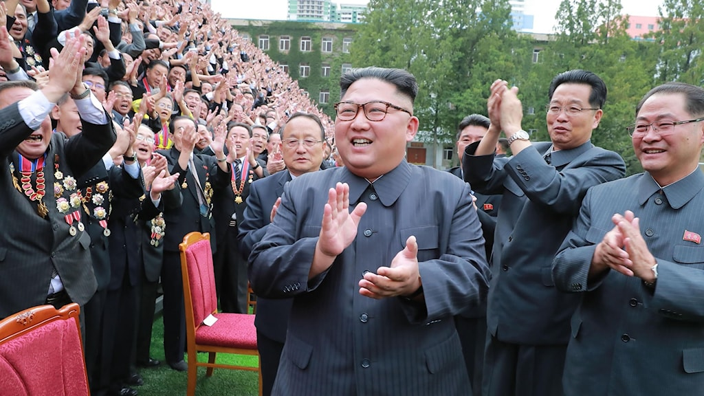 North Korean leader Kim Jong Un and his South Korean counterpart, Moon Jae-in,  top the odds with some bookmakers on who will win the Nobel Peace Prize.