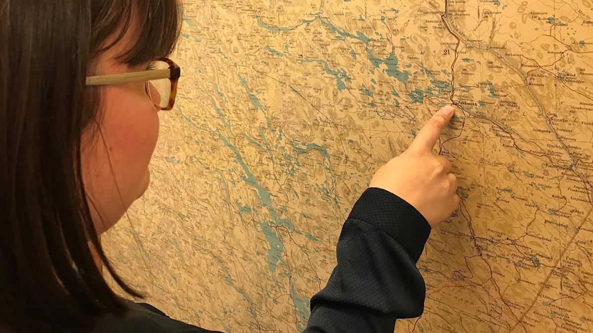 Ida Lejon visar hur anmodern Sara flyttade runt i gränstrakterna meellan Sverige och Norge