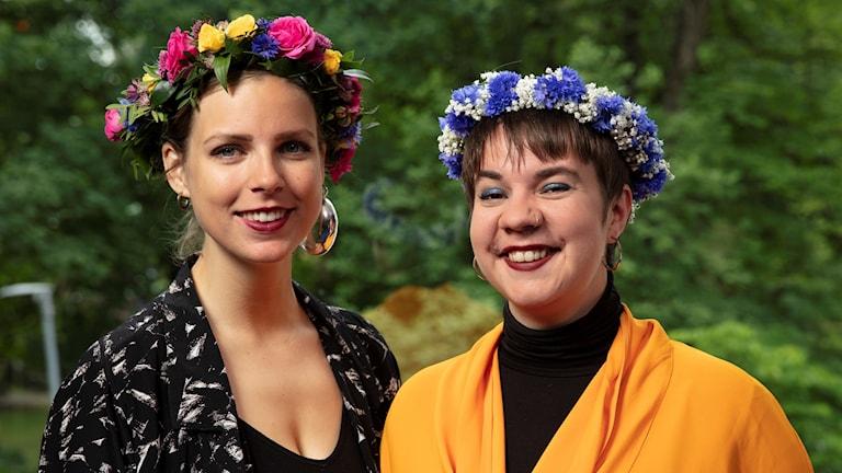 Sara Parkman sommarpratar tillsammans med sin parhäst i musiken Samantha Ohlanders.
