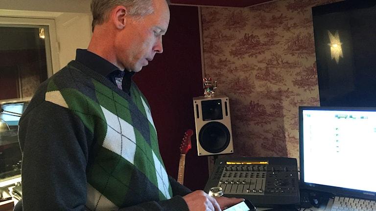 Johan Rockström i studion. Foto: John Swartling/Sveriges Radio