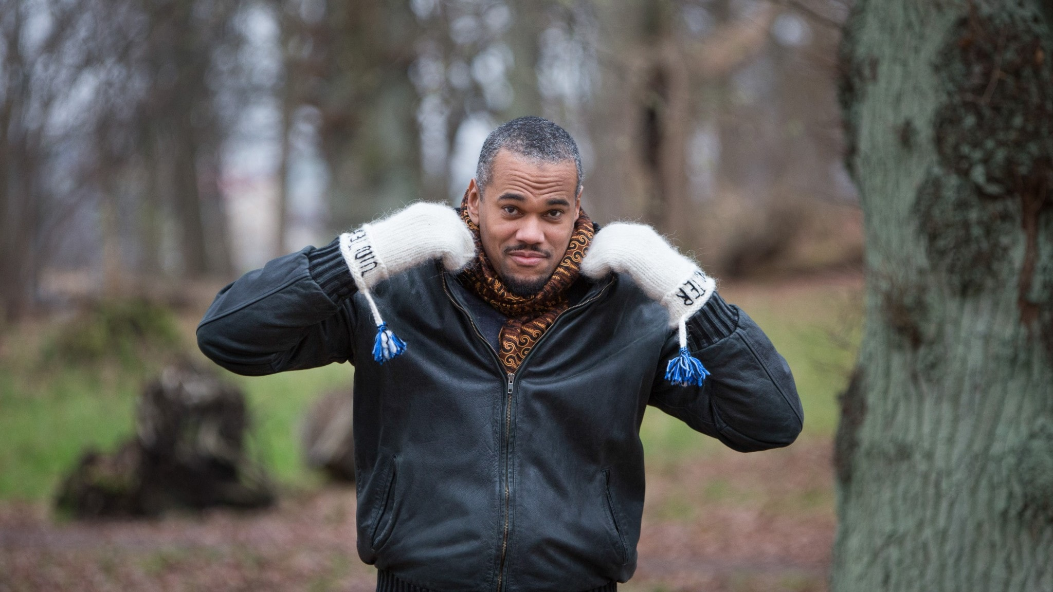 Författaren Johannes Anyuru är en av årets värdar i Vinter i P1