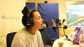 Miriam Bryant i studion