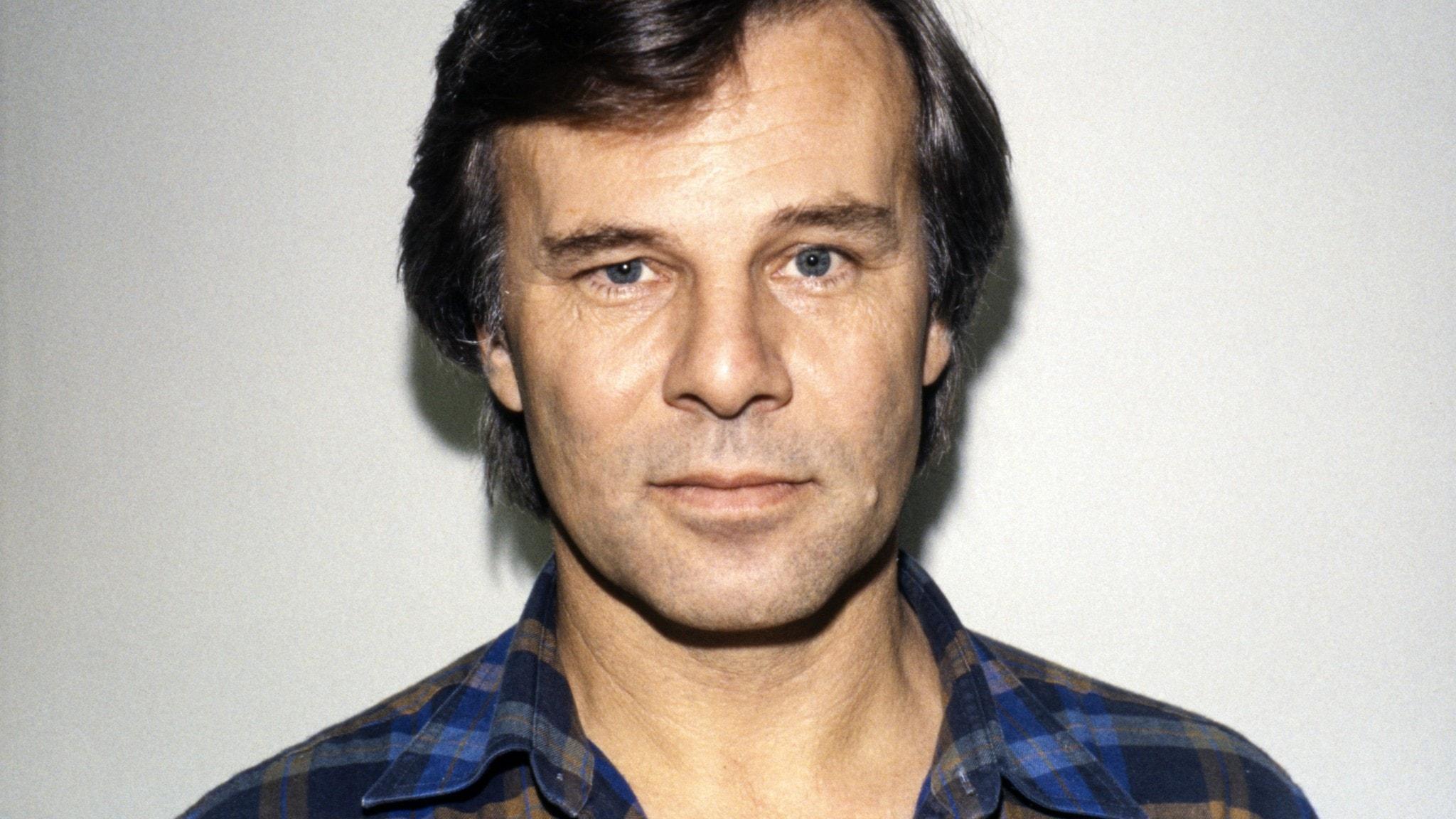 Jan Guillou, bild från 1988.