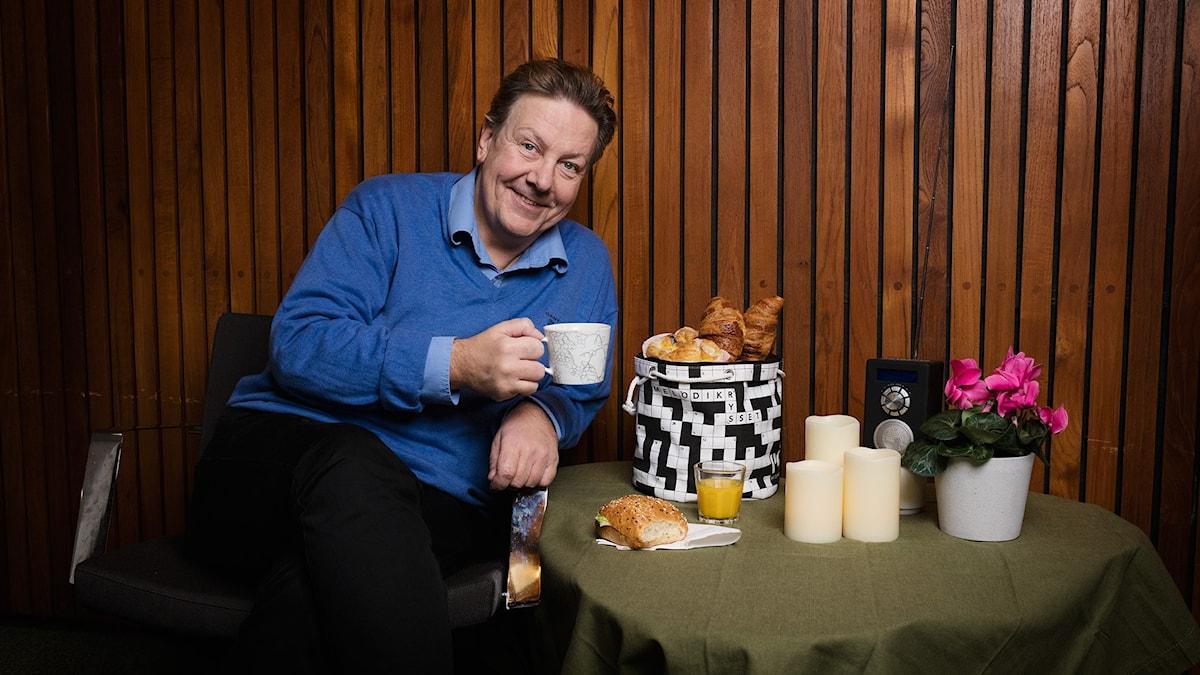 En brödkorg är det nya priset i Melodikrysset med Anders Eldeman. Foto: Mattias Ahlm / Sveriges Radio