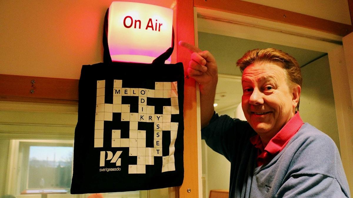 Anders Eldeman och Melodikrysset on air.