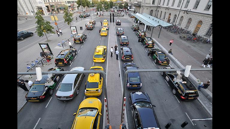 Такси на Центральном вокзале Стокгольма. Фото: roggadog/flickr.com