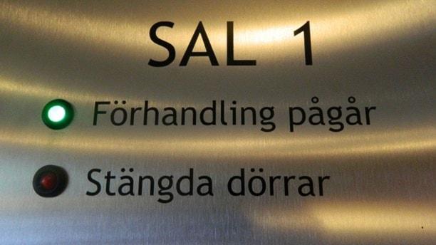 Увеличилось число долгих судов в Швеции