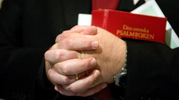 Шведская церковь откупается от неугодных и хлопотных