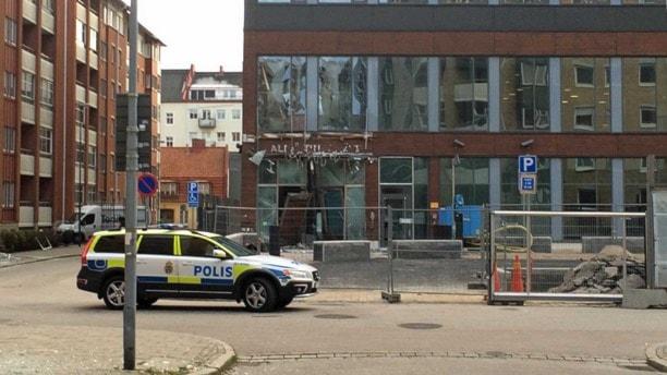 Суд Мальмё. Разрушен вход.
