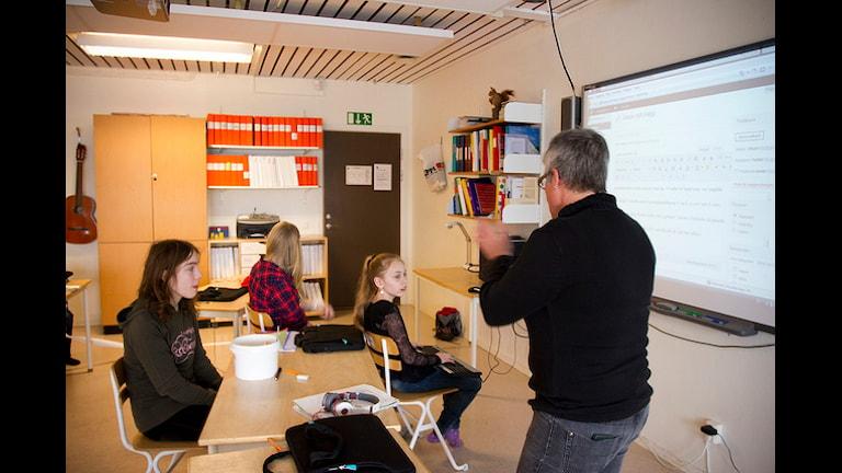 Не хватает десятков тысяч учителей в Швеции