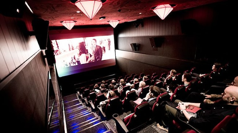 Дорого ходить в кино в Швеции