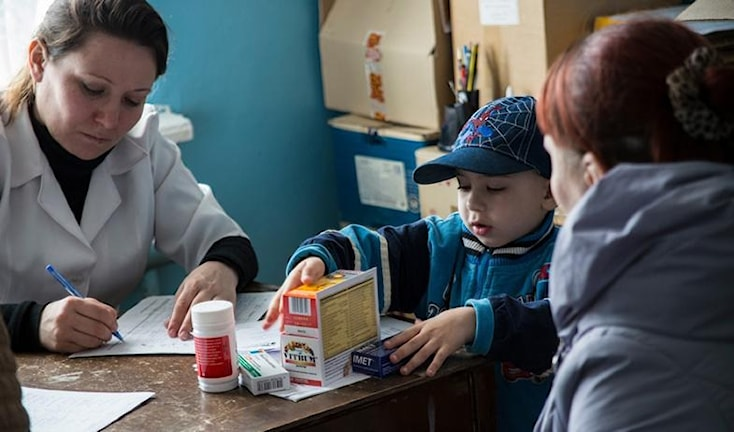 "Лекарства распределяют ""Врачи без границ"""