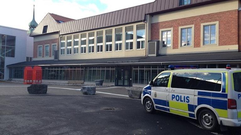 Полиция в Эстерсунде/ Östersund. усилила наружное наблюдение после ряда случаев нападения на женщин. Фото: Johanna Vackdahl/Sveriges Radio