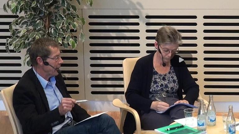ксперты Пэр Юнссон и Гудрун Перссон в ходе семинара о военной операции России в Сирии во Внешнеполитическом институте Швеции. Фото:UI