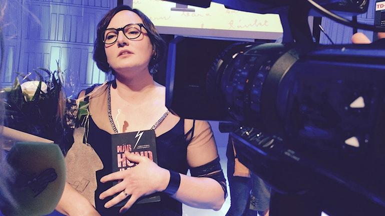 Jessica Schiefauer tilldelades Augustpriset för boken När hundarna kommer. Foto:Jurij Gourman/Sveriges Radio