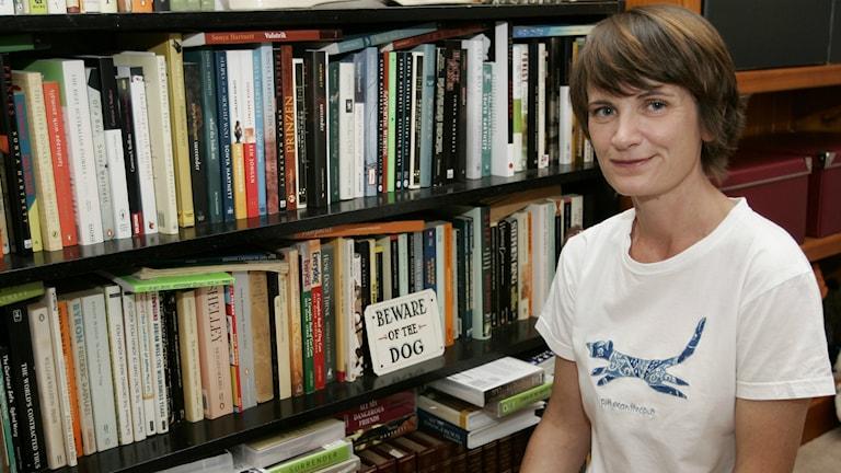 Der schwedische Astrid-Lindgren-Gedächtnispreis wurde 2008 der australischen Kinderbuchautorin Sonya Harnett zuerkannt. das Foto zeigt die Schriftstellerin in ihrem Heim (Foto: AP Photo/Rob Griffith)