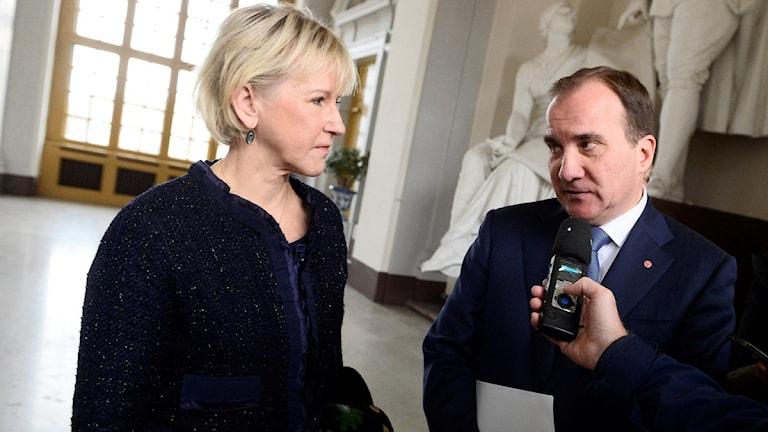 Министр иностранных дел Маргот Вальстрём и премьер-министр Стефан Лёвен участвуют в донорской конференции по Сирии. Фото: Claudio Bresciani/TT)