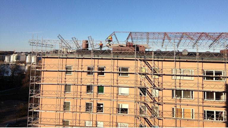 In Schweden müssen Bauherren ausführliche Listen darüber führen, welche Mitarbeiter zu welchen Zeiten dort arbeiten. (Foto: Sybille Neveling / Radio Schweden)