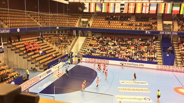 Publiken under EM i handboll för damer i Kristianstad.